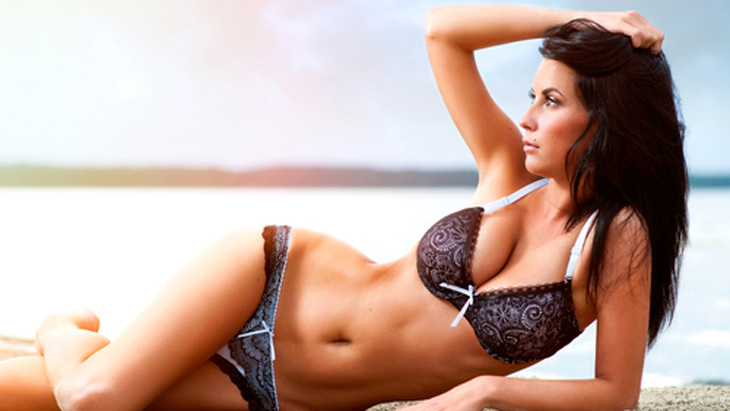 Cosmetic surgery 'popular after break up'