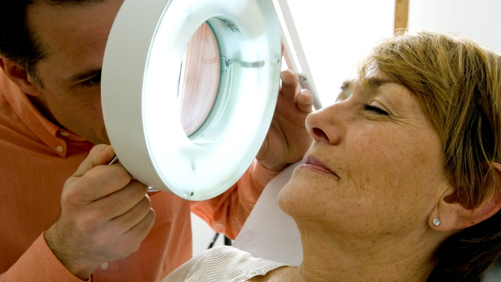 How Is squamous cell carcinoma diagnosed?