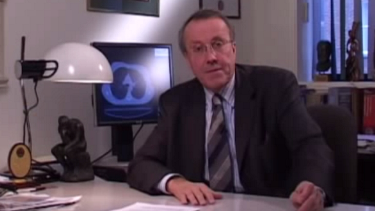 Ask an expert video: Breast cancer: Tell me more about hormone therapy