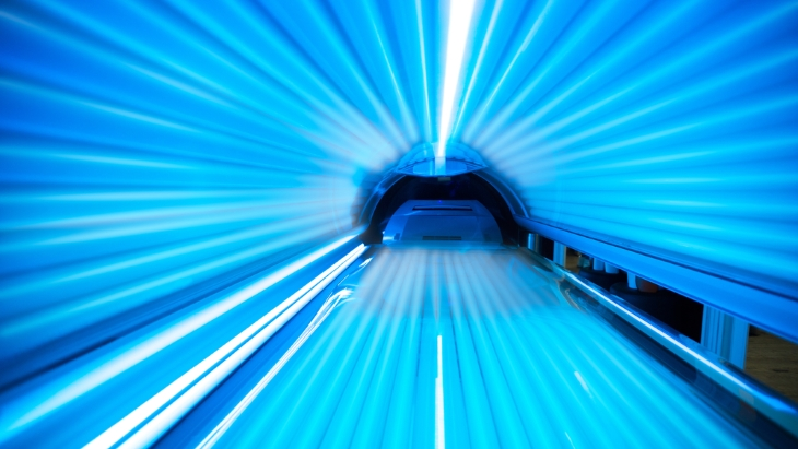 Sunbeds Are Not The Answer To Winter Blues, Says Consultant Dermatologist