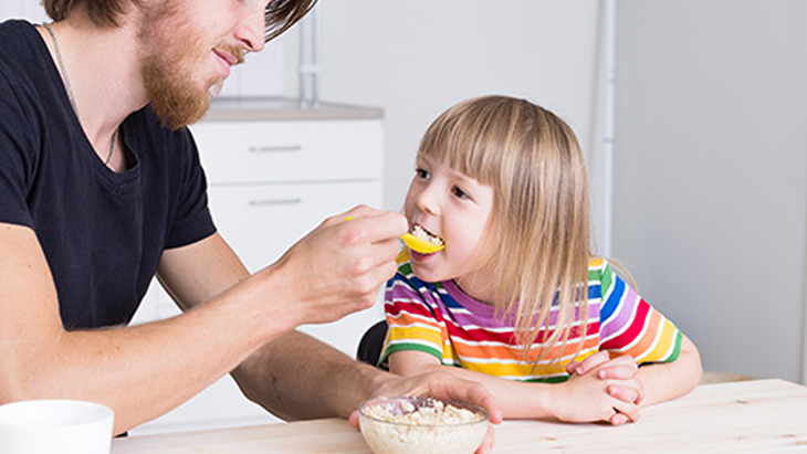 10 strategies to encourage your children to eat well