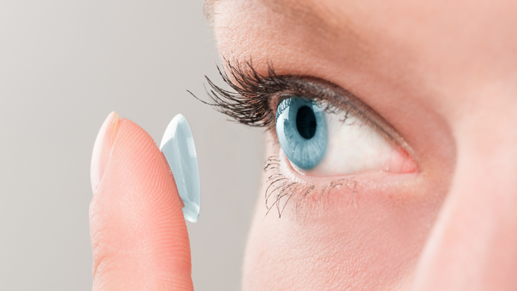 5 tips for how to safely wear contact lenes