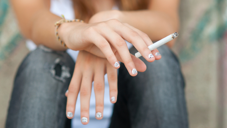 The effects of smoking on your skin